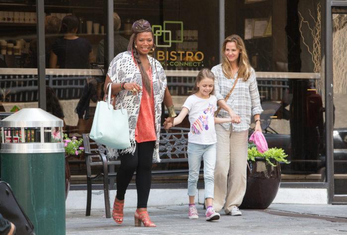 Miracles From Heaven Movie Still Jennifer Garner;Queen Latifah;Kylie Rogers