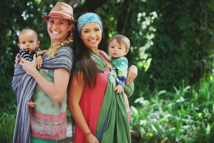 Hip Baby Wrap Lets You Tote Your Baby Comfortably and in Style