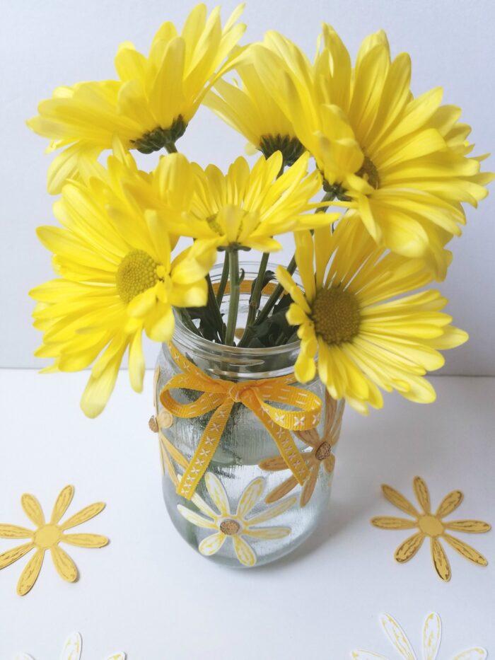 Easy DIY Daisy Mason Jar Vase