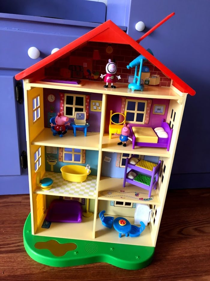 Peppa Pig's Lights N' Sounds Family Home