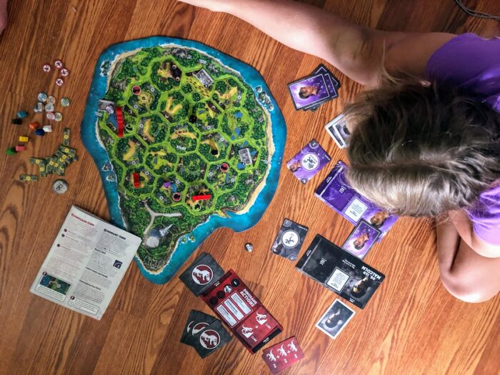 New Board Game ? Jurassic Park DANGER!