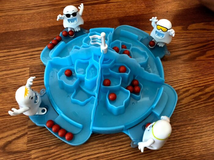 NEW Board Game: Yeti, Set, Go!