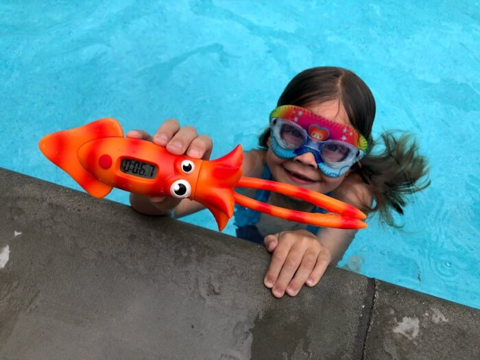 Dive Down in the Pool With the Aqua Diver