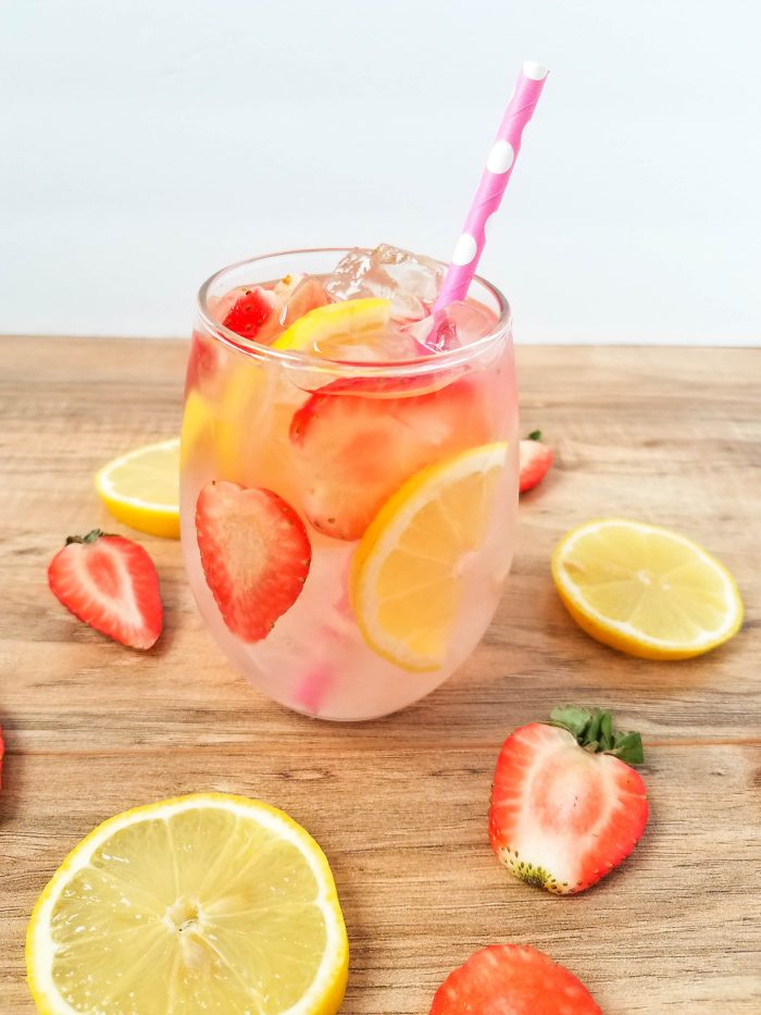 Pink Lemonade Moscato Cocktail Recipe