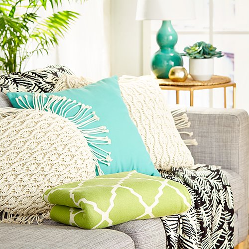 5 Small Living Room Decorating Ideas On A Budget Outnumbered 3 To 1