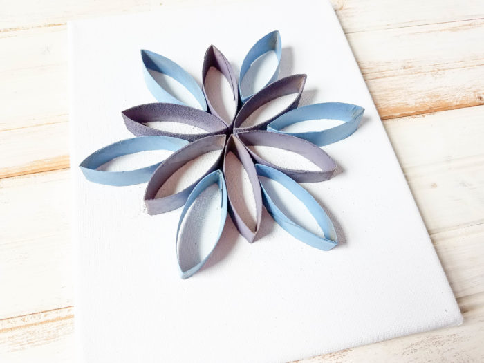 Toilet paper roll art tutorial - how to make a flower canvas