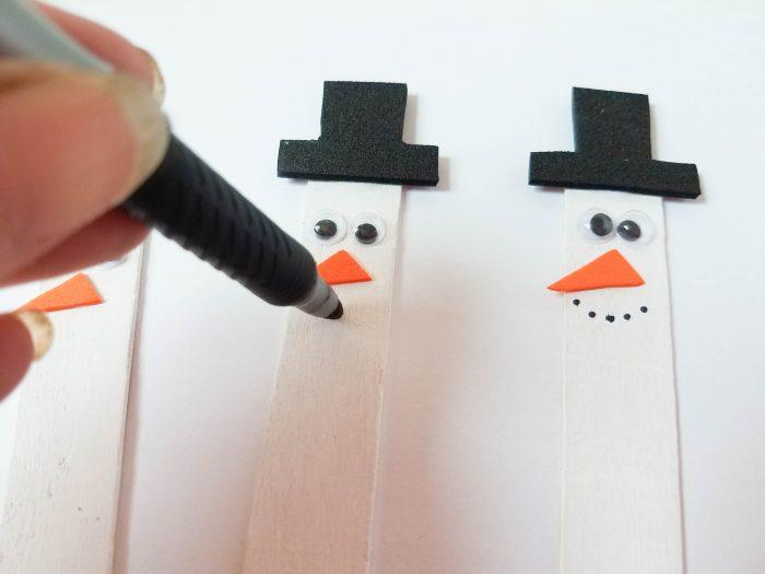 making snowman mouth