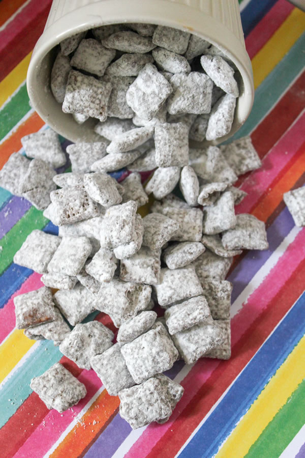BEST Muddy Buddies! Easy Puppy Chow Recipe – How To Make YUMMY Chex Recipe – Snack – Treat – Party Food – Gluten Free